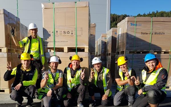 Gutta-som-bygger-ren-energi