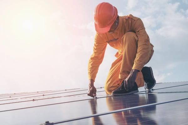Start med Bærekraft - Solceller på tak og fasader