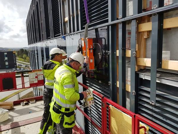 Montering av solceller i fasade