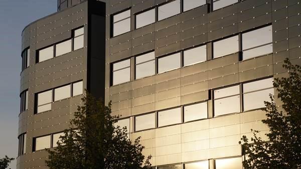 Grønne solceller i fasaden