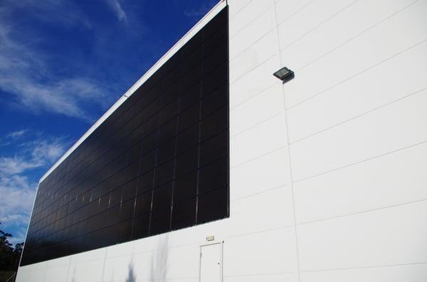 Industribygg og logistikkbygg med solceller