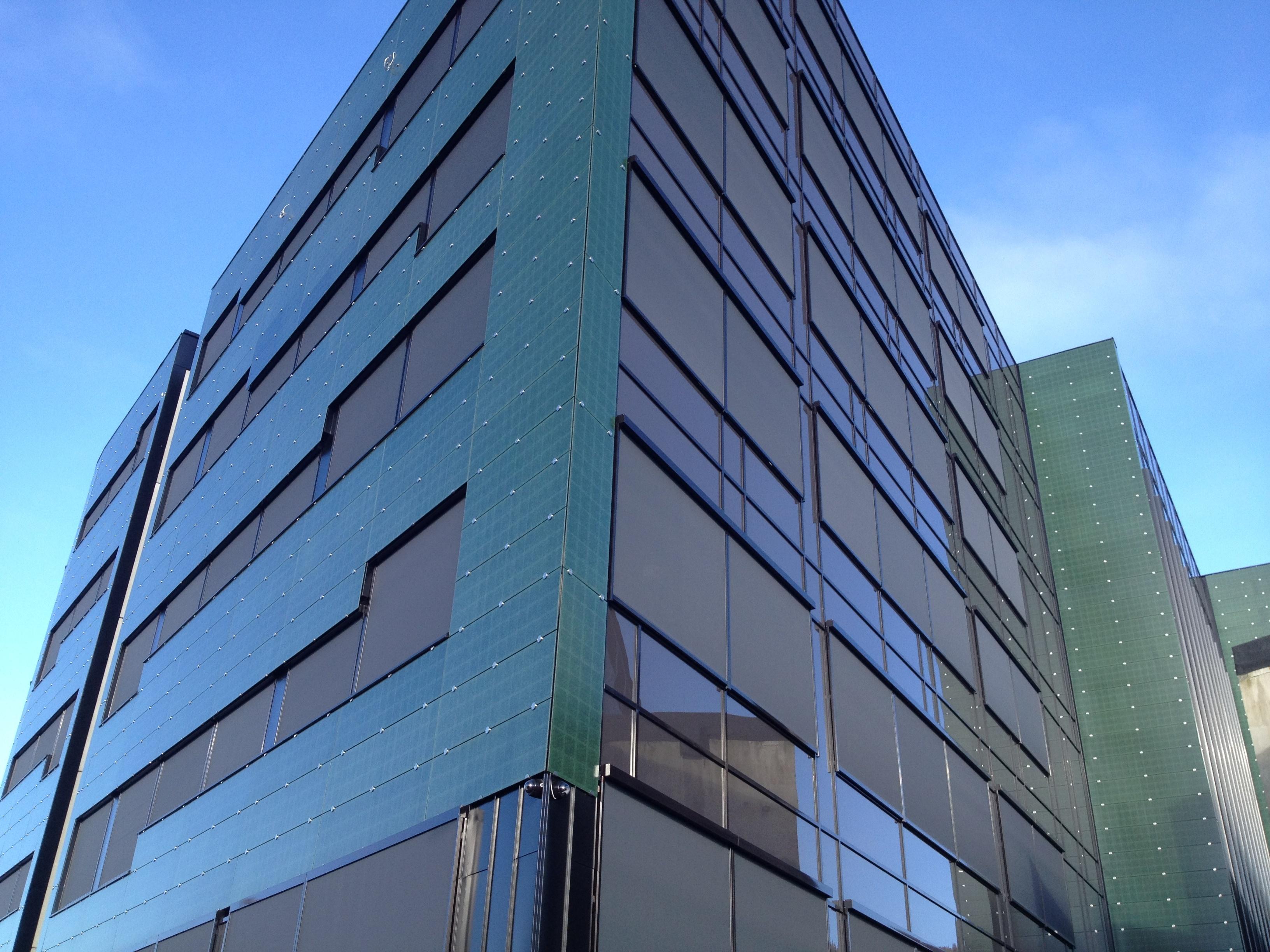 Energiproduserende vegger og tak med bygningsintegrerte solceller - BIPV